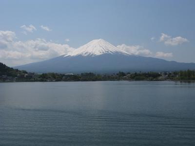 河口湖から富士山を眺めて